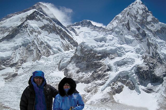 Еверест, Лхотце, Нупце, ледопадът – изглед от вр. Калапатар